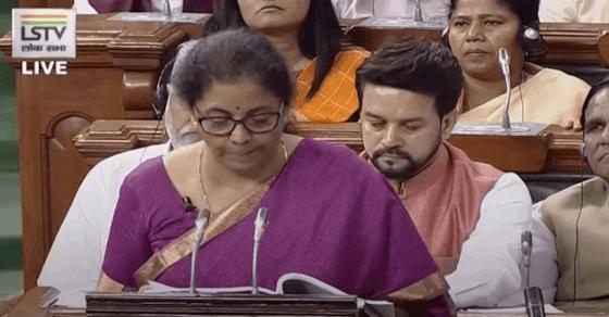 ई-वाहन खरीद पर आयकर में छूट मिलेगी: वित्त मंत्री निर्मला सीतारमण
