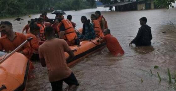 महालक्ष्मी एक्सप्रेस: अब तक 500 यात्रियों का रेस्क्यू, राहत कार्य जारी