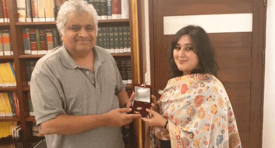 सुषमा की बेटी ने उनका वादा किया पूरा, साल्वे को मिल गई उनकी फीस