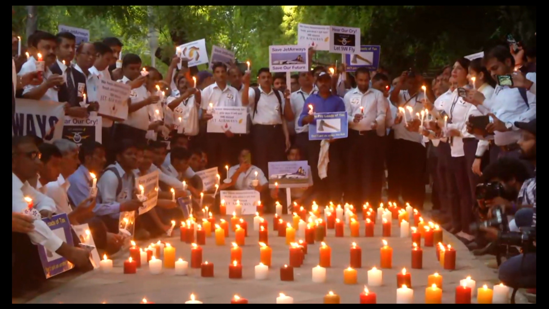 Jet employees hold candle-light vigil, ask govt for help