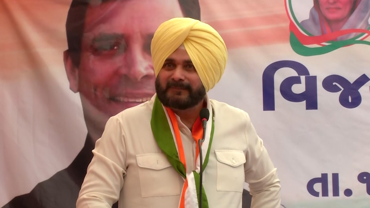 Will quit politics if Rahul loses Amethi: Sidhu