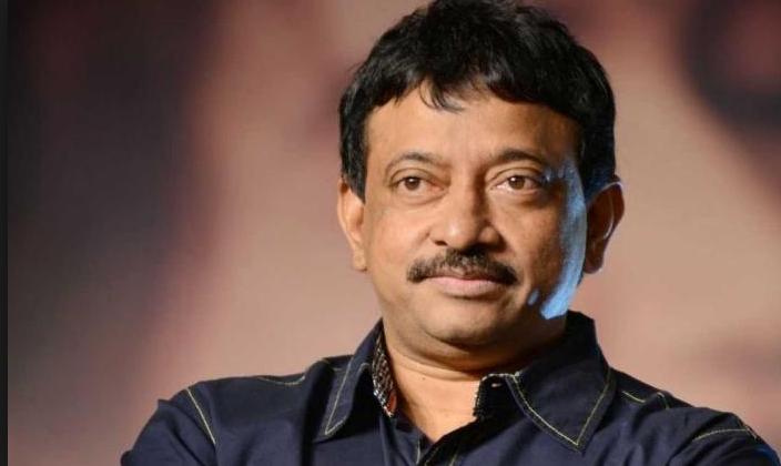 राम गोपाल वर्मा को पुलिस ने एयरपोर्ट पर रोका, नहीं करने दी एंट्री