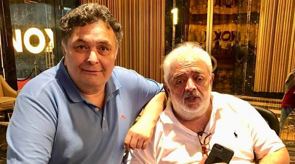 This filmmaker reveals Rishi Kapoor is cancer-free