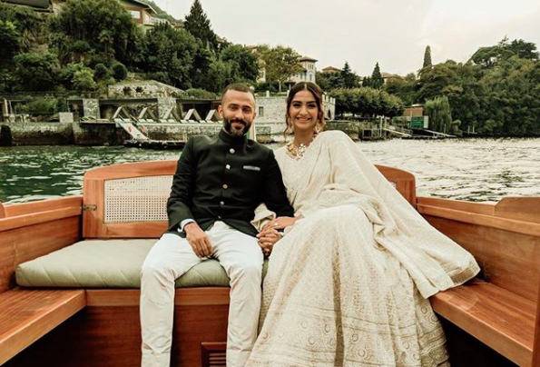 An Instagrammer called Anand Ahuja ugly, heres what Sonam said