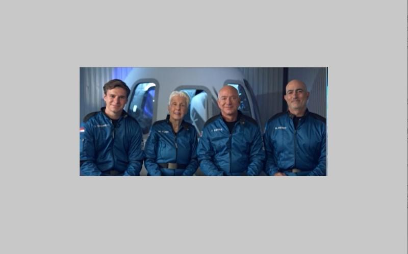 अंतरिक्ष की यात्रा कर वापस लौटे Amazon के फाउंडर Jeff Bezos, देखें कैसा रहा सफर