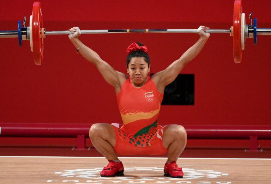 Tokyo Olympics: मीराबाई चानू ने रचा इतिहास, महिला वेटलिफ्टिंग में भारत को दिलाया सिल्वर मेडल