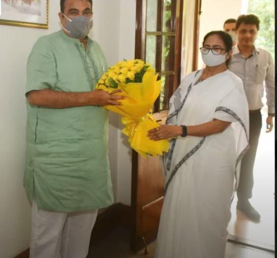 Mamata Banerjee ने की Nitin Gadkari से मुलाकात, पश्चिम बंगाल के लिए कई प्रोजेक्ट पर की बात