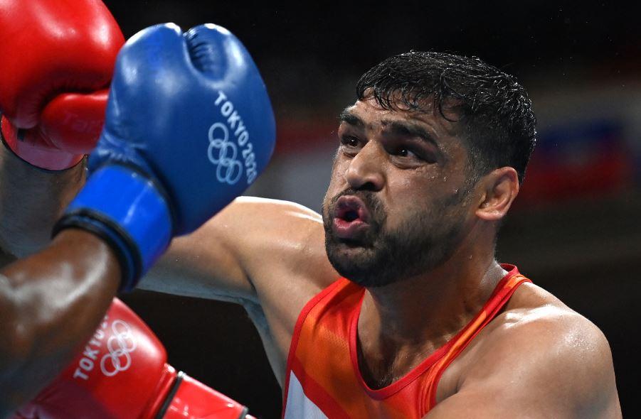 Tokyo Olympics: उज्बेकिस्तान के खिलाड़ी से हार कर बॉक्सर सतीश कुमार हुए ओलिंपिक से बाहर