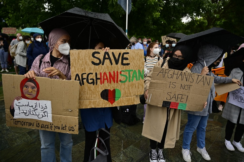 'Sad, angry & scared': Hundreds of Afghan refugees protest against Taliban, demand rights in India