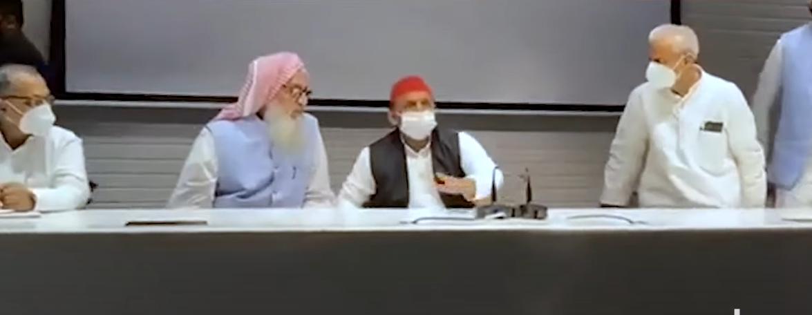 Mukhtar Ansari के भाई सिबगतुल्लाह ने थामा समाजवादी पार्टी का झंडा, अम्बिका चौधरी की भी वापसी