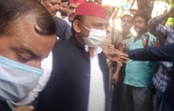 Manish Gupta Murder Case: कानपुर में मनीष के परिजनों से मिले अखिलेश यादव, सपा करेगी 20 लाख की मदद