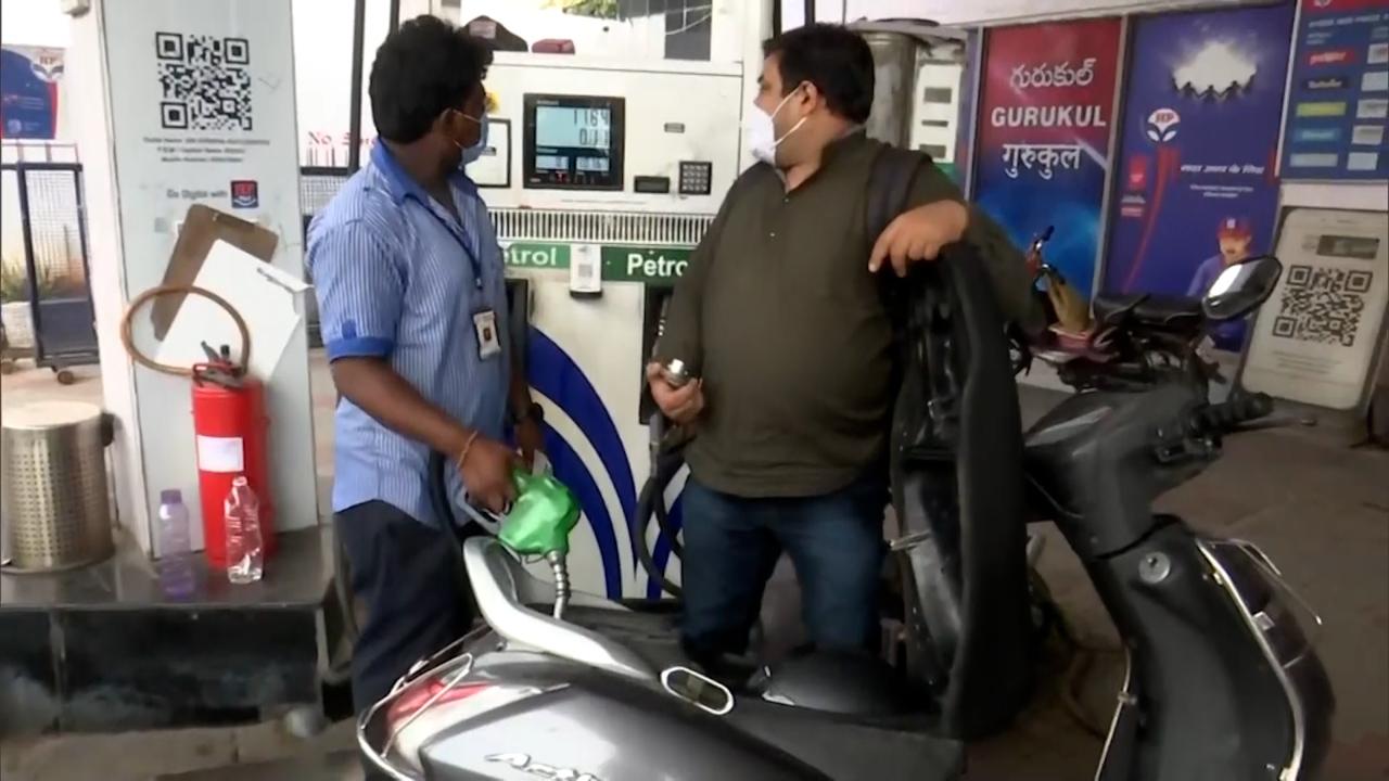 Petrol-Diesel Prices: पेट्रोल-डीजल की कीमतों में फिर इजाफा, जानें क्या है आपके शहर का हाल