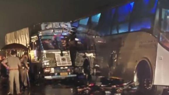 Barabanki Accident: हादसे की कहानी, घायल की जुबानी, बताया, कैसे मौत बनकर आया truck