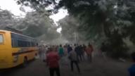 यूपी: गाजीपुर में प्रदर्शनकारियों के पथराव में पुलिसकर्मी की मौत