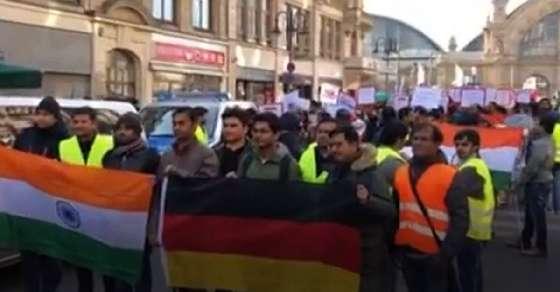 फ्रैंकफर्ट में पुलवामा हमले के खिलाफ भारतीय समुदाय का प्रदर्शन