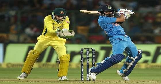 Bengaluru T20: Virat and Dhoni counter attack