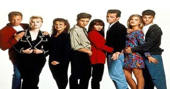 Hit series 'Beverly Hills 90210' is coming back