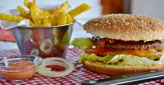 30 years of fast food: More variety, but more calories & salt too