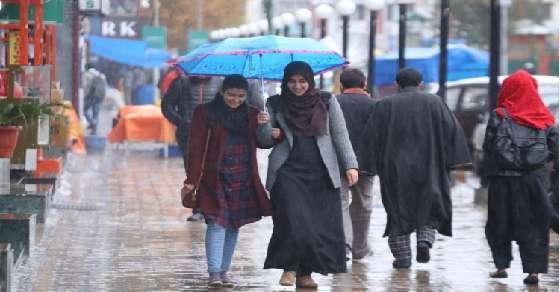 कश्मीर के कई इलाकों में खतरनाक एवलांच का अलर्ट