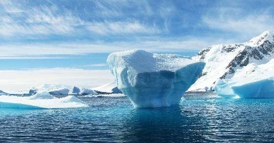 Huge lakes discovered beneath largest Antarctic glacier