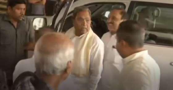 कर्नाटक CONG की EC, राष्ट्रपति से गुहार- बंद हो नेताओं पर IT की छापेमारी