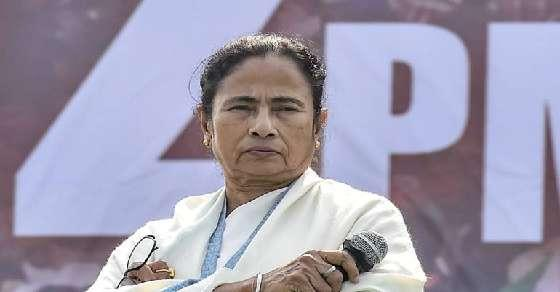 Shun petty difference: Mamata to Opposition parties