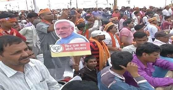 PM snubs BSP-SP tie up: Using caste to loot people