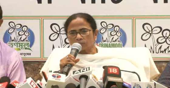 Will attend Iftar 100 times: Mamata on appeasement charge