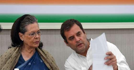 Adamant on quitting, Rahul calls emergency meet