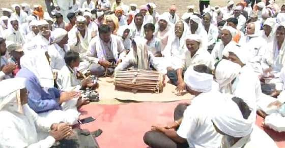 God, give the govt some wisdom: Farmers protest with hymns