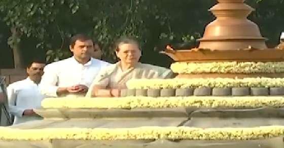 Despite bitter campaign, Sonia & Rahul to attend PM oath