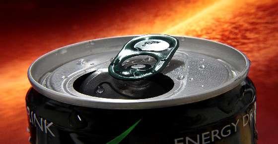सावधान ! अधिक मात्रा में एनर्जी ड्रिंक पीने से बिगड़ सकती है दिल की सेह
