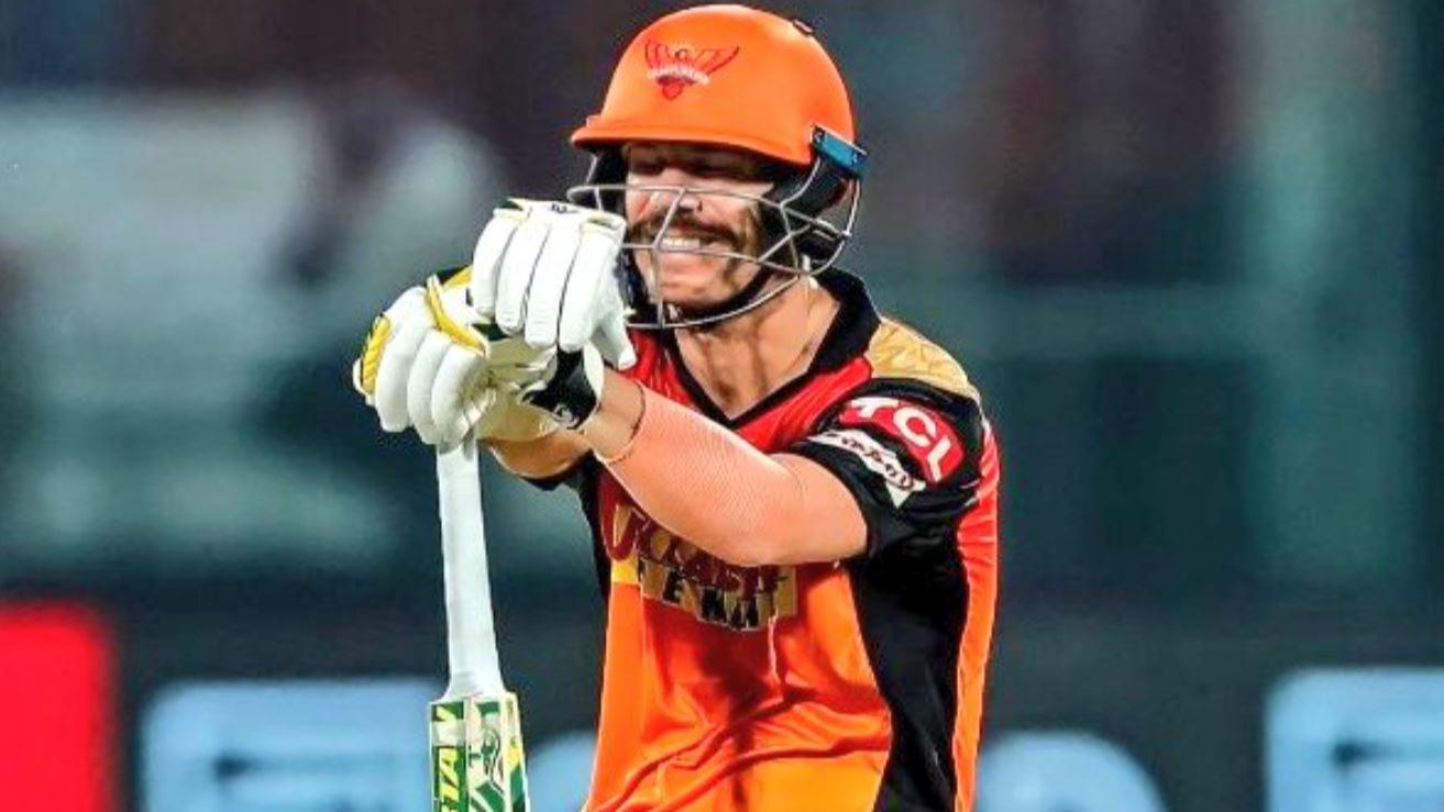 Warner was shocked & hurt after being sacked as SRH captain
