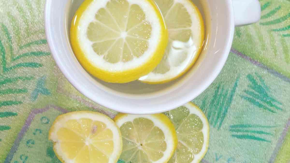 क्या गर्म निम्बू पानी कैंसर को ठीक कर सकता है ?
