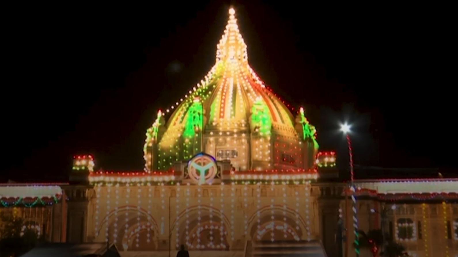 रोशनी में नहाया यूपी का राजभवन, 18 अगस्त तक आमजनों के लिए भी खुला