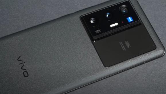 Vivo X70 Pro+ Review: Looks good, clicks even better